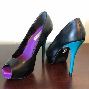 🔥 Two-Color Peep Toe Stilettos 🔥